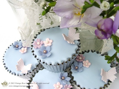 Beautiful Vintage cupcakes For toi Dearest Cass xx