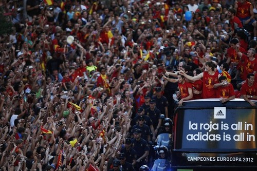 Spain National Football Team wallpaper possibly containing a sign titled Celebration and Parade through Madrid