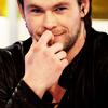 Chris Hemsworth 사진 containing a portrait entitled Chris Hemsworth
