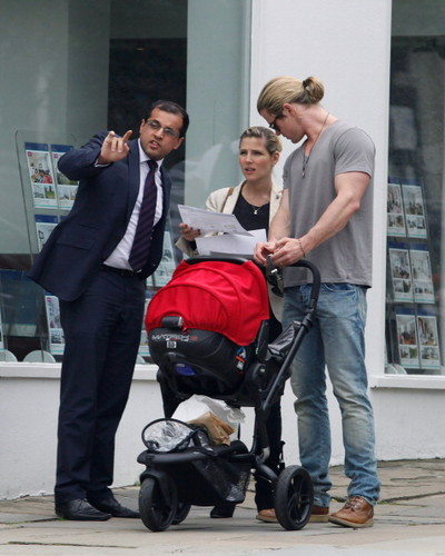 Chris and Elsa Pataky - chris-hemsworth Photo