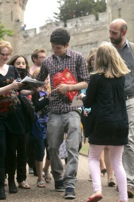 Colin sighning - colin-morgan Photo