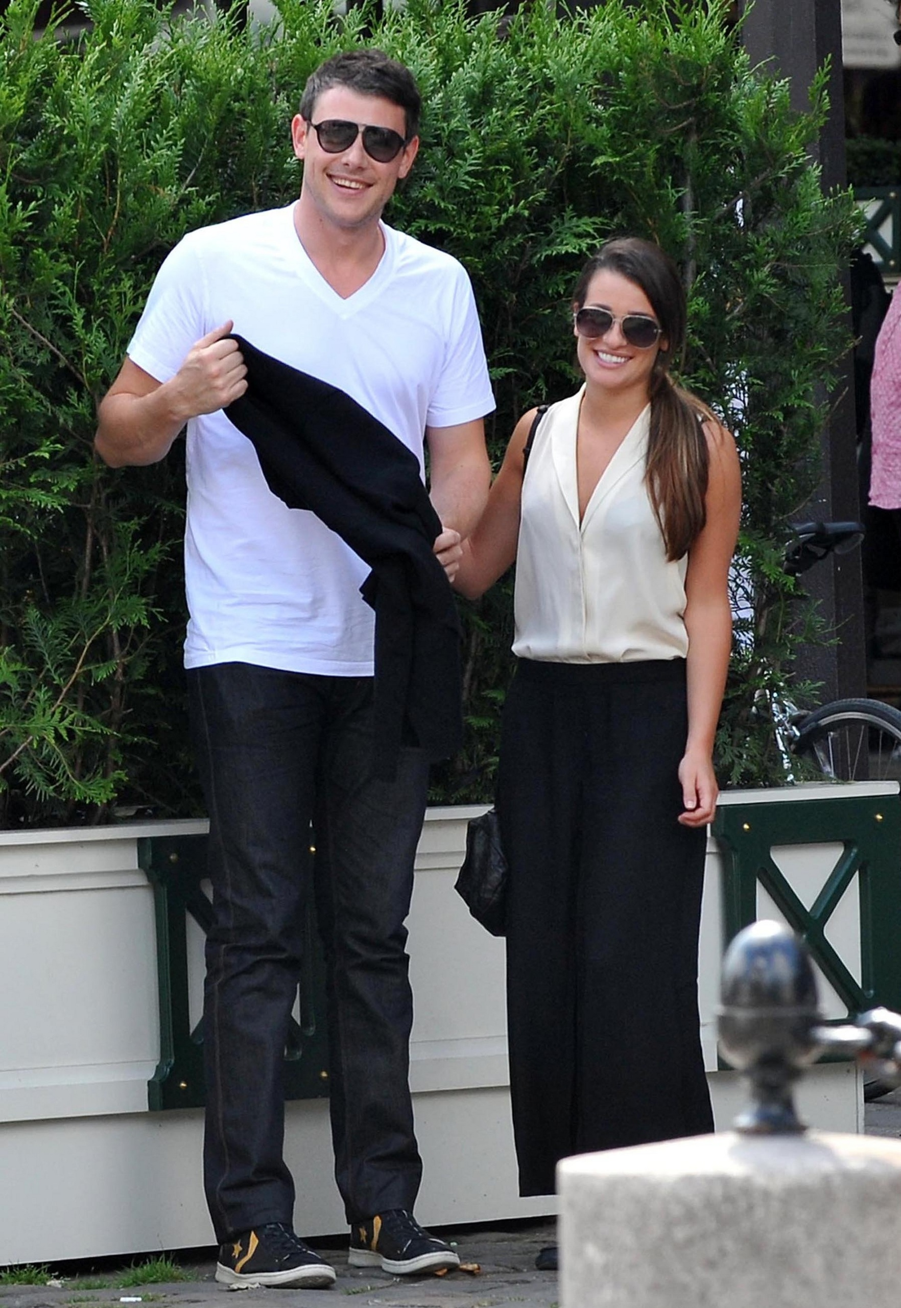 lea and cory dating 2012 Lea michele was living her dream as glee's resident drama queen, dating the quarterback on-screen and off then, cory monteith's tragic death shattered her world she opens up to lizzy goodman about love, mourning through music, and finding stren.