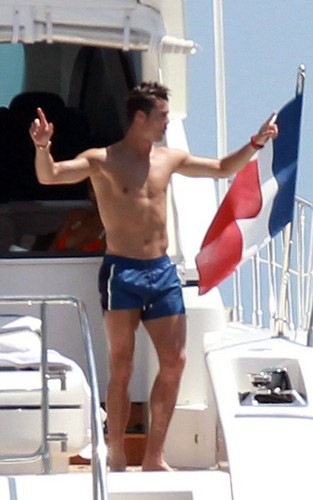 Cristiano Ronaldo and Irina Shayk relaxing on a yacht in St Tropez - cristiano-ronaldo Photo