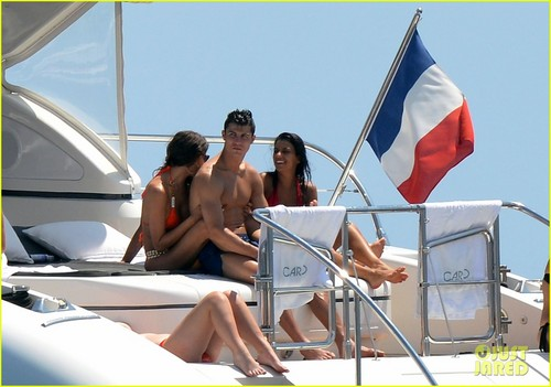 Cristiano Ronaldo and Irina Shayk's French vacation