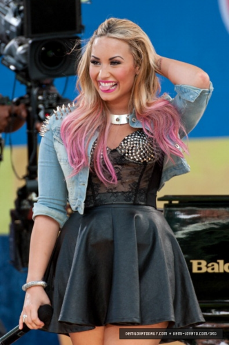 Demi - 'Good Morning America' Summer Concert Series - July 06, 2012