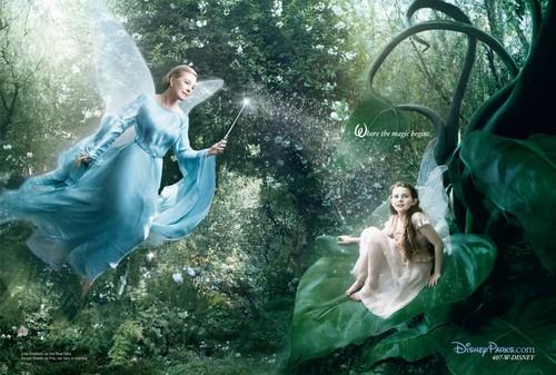 """ディズニー Dream Portraits: Julie Andrews as the Blue Fairy and Abigail Breslin as """"Fairy in Training"""""""