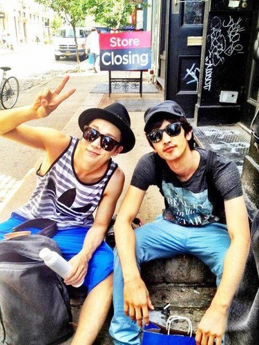 Doojoon with manager