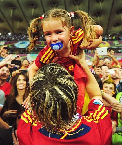Fernando Torres wallpaper titled Euro 2012 final: Spain v Italy - Torres celebrating victory