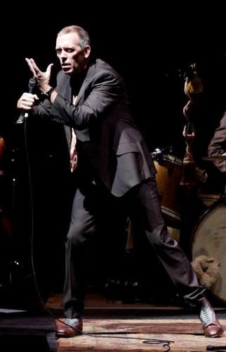 "Hugh Laurie 음악회, 콘서트 at the ""HMV Hammersmith Apollo"" - London.. 02.07.2012"
