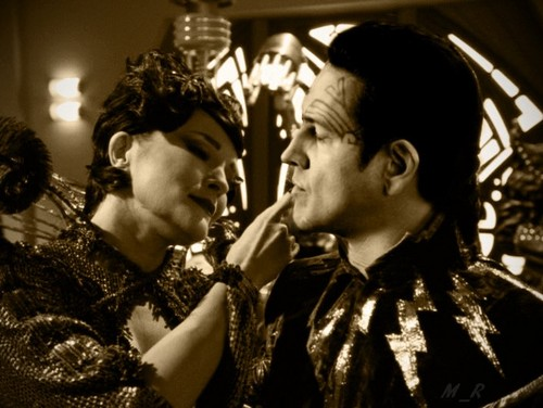 Janeway and Chakotay - Bride of Chaotica style