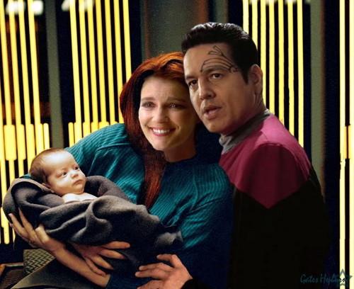 Janeway and Chakotay - Having a Baby