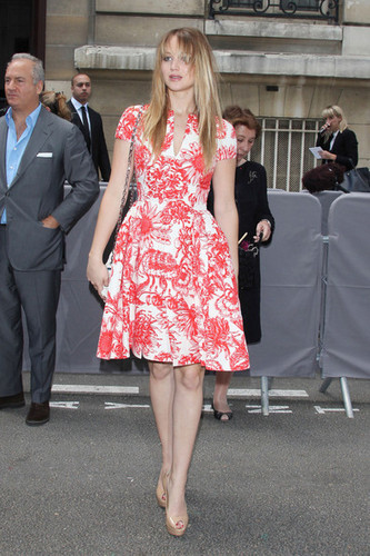 Jennifer arriving at the Christian Dior Haute-Couture fashion show in Paris - 02/07/12. - jennifer-lawrence Photo