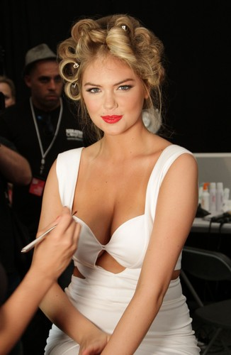 Kate Upton fond d'écran probably containing attractiveness called Kate - Mix