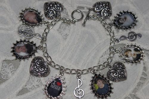 LOUIS TOMLINSON charm bracelet