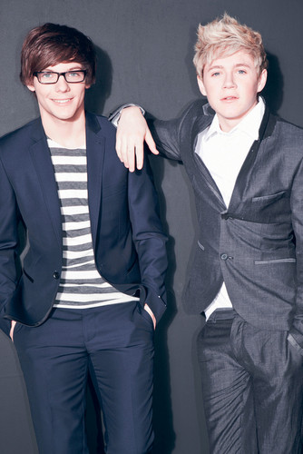 Louis Tomlinson wolpeyper with a business suit, a suit, and a well dressed person called Louis & Niall