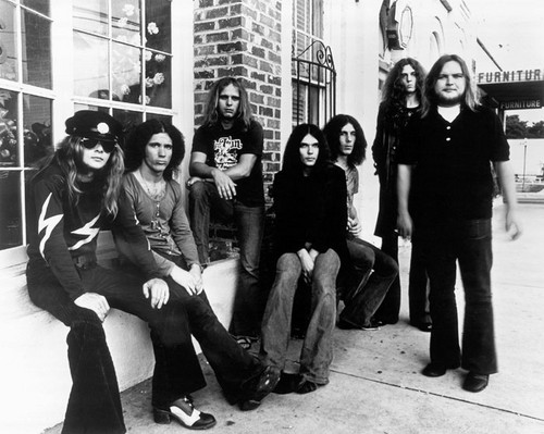 Lynyrd Skynyrd,three members died in an airplane crash in 1977