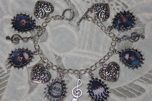 MINDLESS BEHAVIOR charm bracelet