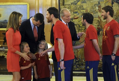 Spain National Football Team wallpaper called Meeting the Royal Family