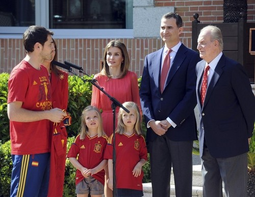 Spain National Football Team wallpaper entitled Meeting the Royal Family
