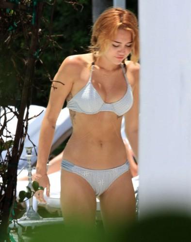 Miles - Bikini in Miami