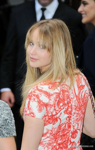 More pics of Jennifer at the Christian Dior Haute-Couture show - Inside - 02/07/12. {HQ} - jennifer-lawrence Photo