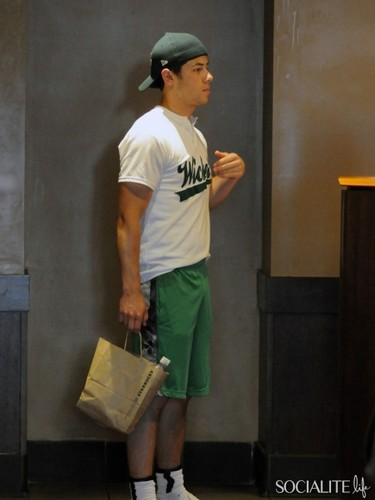 Nick Jonas July 5th Starbuck