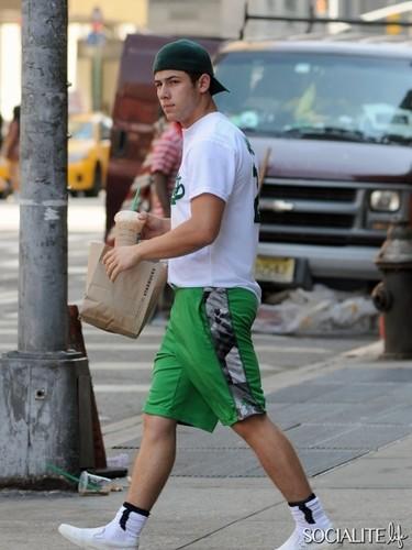 Nick Jonas July 5th Starbuck