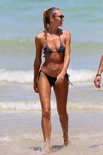 On The пляж, пляжный In Miami [3 July 2012]