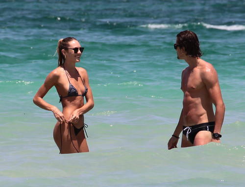 On The beach, pwani In Miami [3 July 2012]