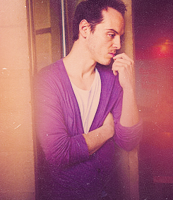 http://images5.fanpop.com/image/photos/31300000/Purple-andrew-scott-31331048-245-283.jpg?1343985044173