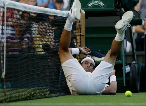Rosol sent Nadal on back.