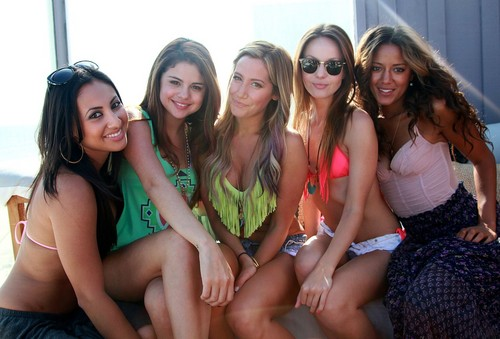 Selena Gomez, Ashley Tisdale, Francia Raisa, Sammy Droke and Heather Hemmons