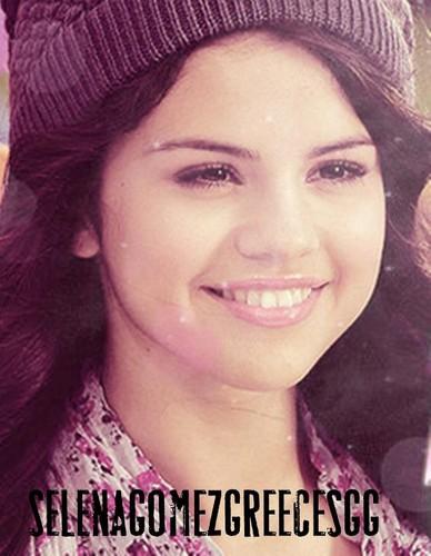 Selena Gomez karatasi la kupamba ukuta titled Selena Gomez