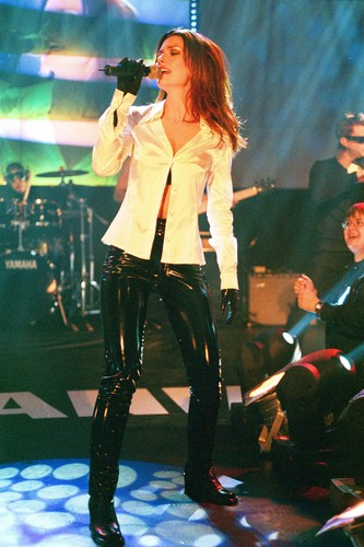 Shania Twain karatasi la kupamba ukuta with a hip boot called Shania Twain