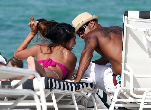 Shemar Moore Hangs pantai Side