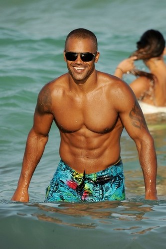Shemar Moore on the pantai