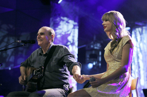 Surprise appearance at James Taylor concert in Tanglewood, MA (July 2, 2012)
