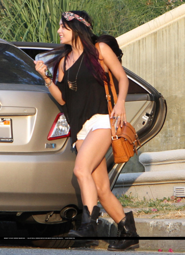 Vanessa - Leaving her home - June 15, 2012
