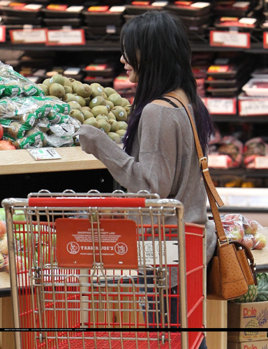 Vanessa - Shopping at Trader Joes in Studio City - June 15, 2012