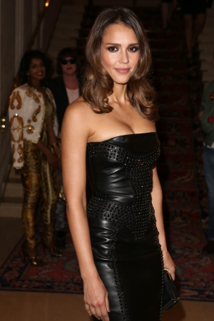Versace - Paris Fashion Week Haute Couture F/W 2013 - jessica-alba Photo