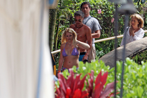 Wearing A Bikini In Hawaii [5 July 2012]