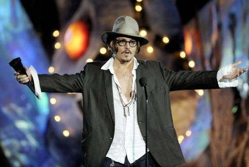 Who wants big hugs from Johnny ^_^ - johnny-depp Photo