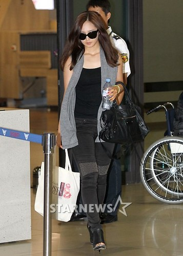 Yuri @ Incheon Airport from Macau - kwon-yuri Photo