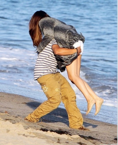 alfredo , &, selena, on, the, beach