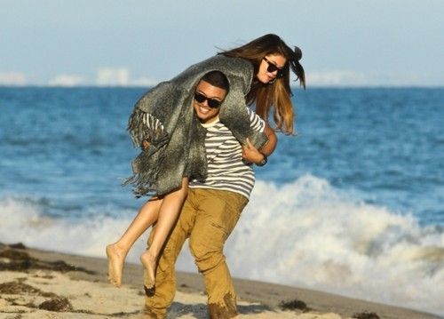 alfredo , &, selena, on, the, plage