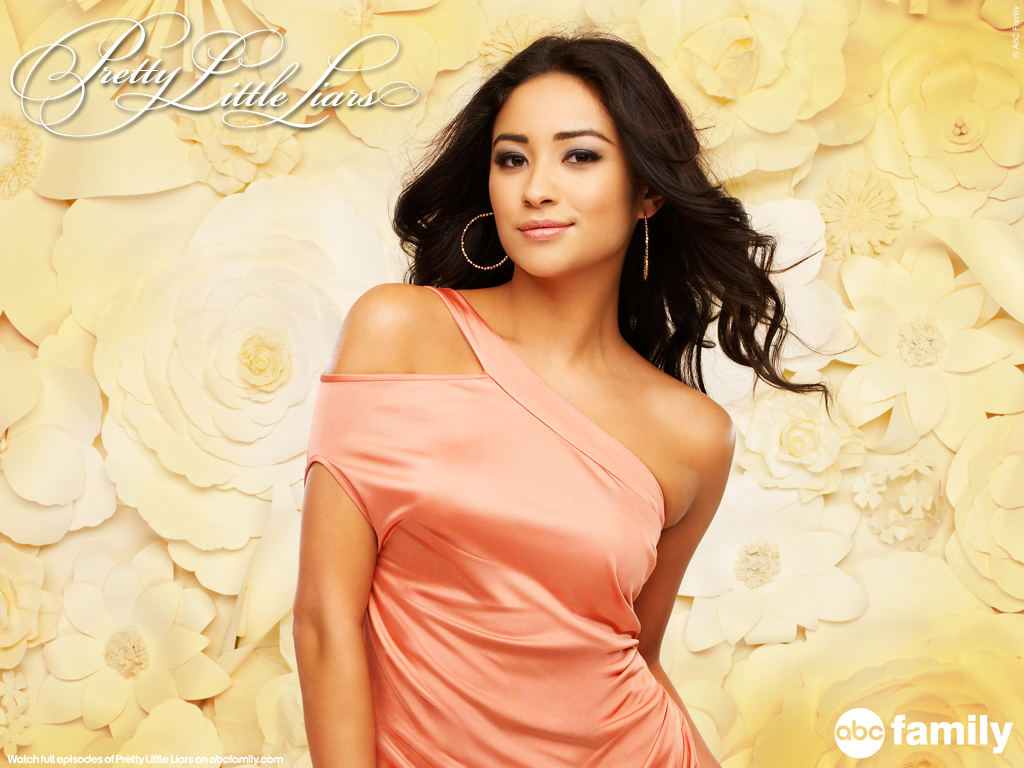 Pretty little liars shay mitchell dating 10