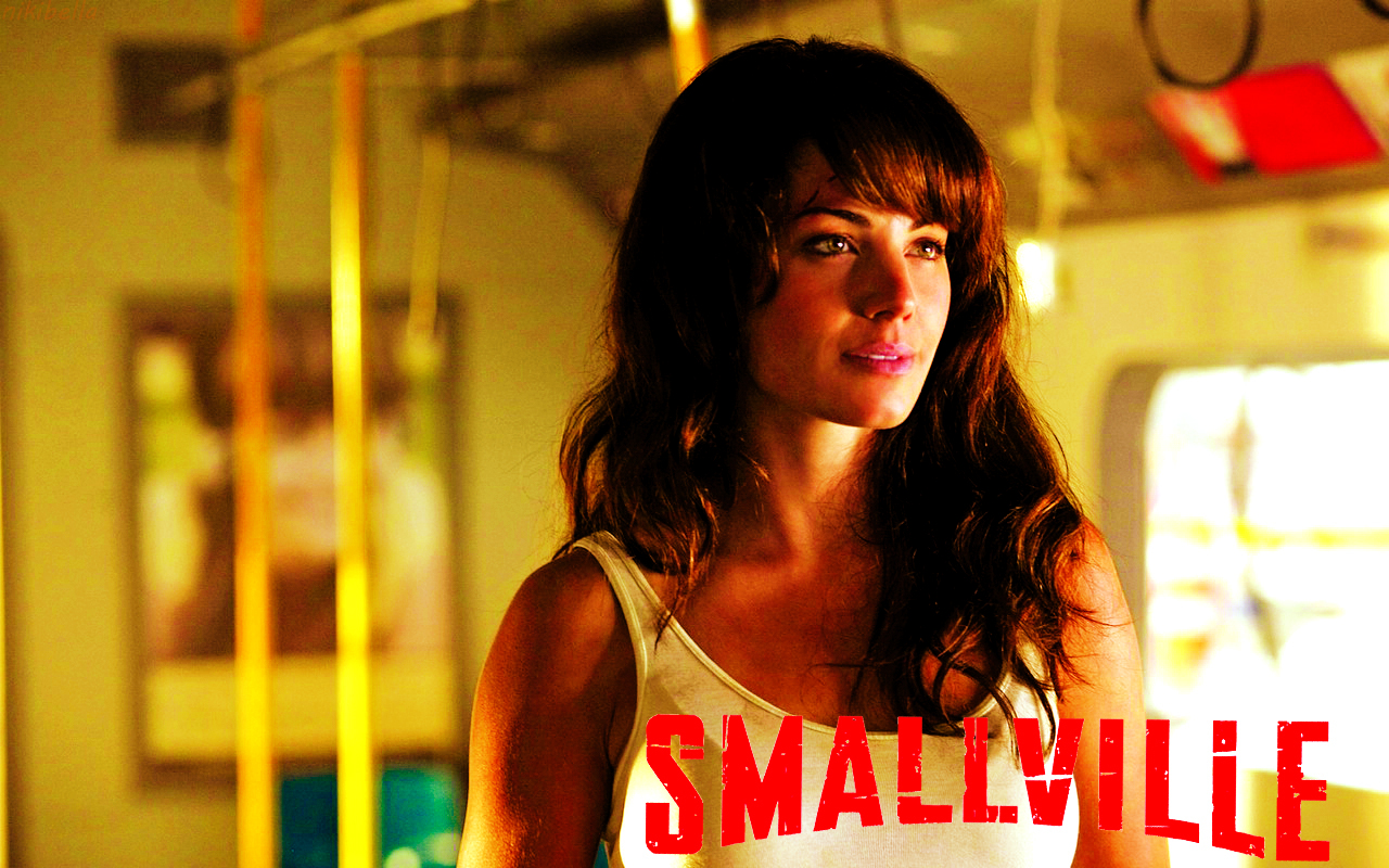 smallville wallpapers smallville wallpaper 31323616