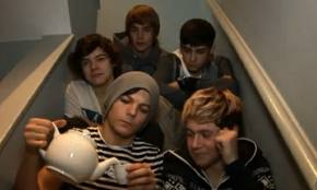 ♥ miss those five idiots on the stairs ♥