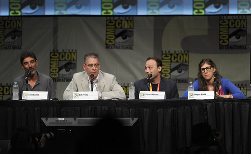 Big Bang Theory karatasi la kupamba ukuta with a tamasha titled 2012 Comic-Con - Panel