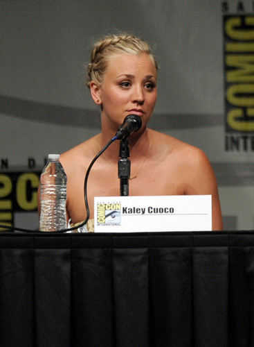 2012 Comic-Con - kaley-cuoco Photo